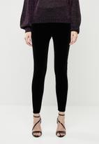 ONLY - Luxe velvet slim pants - black