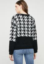 ONLY - Telma houndstooth knit - black & white