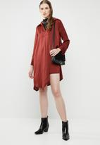 Superbalist - Asymmetrical shirt dress - rust
