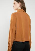 Superbalist - Drop shoulder shirt - brown