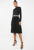 ONLY - New sway pleat skirt - black