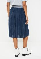 ONLY - New sway pleat skirt - blue