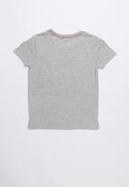 GUESS - Short sleeve Guess established tee - grey