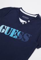 GUESS - Short sleeve multi colour tee - navy