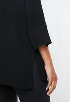 Superbalist - V-neck button front blouse - black