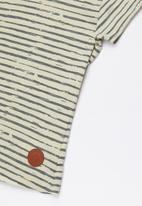 Lizzy - Frances printed tee - grey & cream