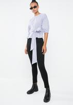 Superbalist - Tie front shell - blue & white
