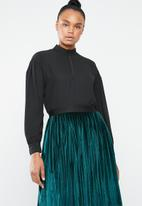 Superbalist - Choker detail blouse - black