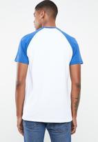 Levi's® - Short sleeve baseball hm tee retro - white & blue