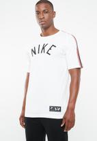 Nike - Tee cltr nike air 3 - white