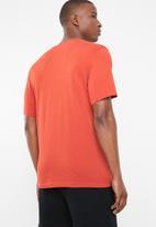 Nike - Tee mini ftra 3- red