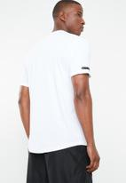 Under Armour - Ua graphic mesh tee - white