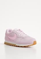Nike - Nike MD Runner 2 SE - pink foam pink foam & black