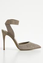 Steve Madden - Ankle strap stiletto heel - neutral