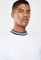Only & Sons - Hugo rib  tee - white & navy