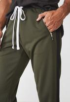 Cotton On - Urban side stripe track pant - olive & black