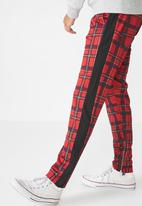 Cotton On - Urban side stripe check track pant - red & black