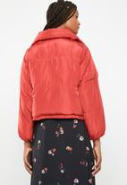 Brave Soul - Oversized cropped puffer jacket - red