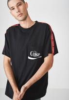 Cotton On - Downtown loose fit tee - black & red