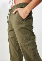 Cotton On - Rolled hem chino - olive