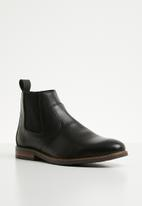 Superbalist - James leather chelsea boot - black
