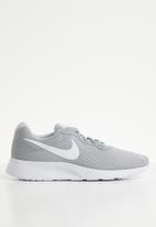 Nike - Nike tanjun sneakers - grey