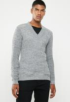 Superbalist - Chunky textured deep V-neck knit - grey