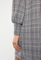 Superbalist - Check shift dress - black & white