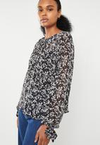 Superbalist - Gauged raglan sleeve blouse - multi