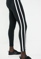 New Balance  - Athletics track legging - black & white