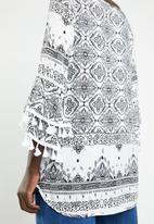Revenge - Tassle detail printed tunic - black & white