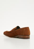 Superbalist - Christopher suede loafer - tan