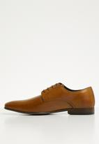 Superbalist - Mateo leather formal shoe - tan