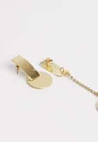 Superbalist - Stace mis matched earrings - gold