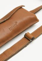 Escape Society - Leather travel waist band - tan