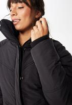 Cotton On - Hiking puffer jacket - black