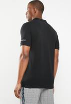 GUESS - Short sleeve core classic golfer - black