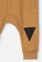 Cotton On - Shelby slouch trackpant - brown & black