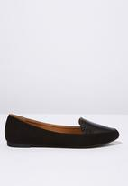 Cotton On - Faux croc leather point loafer - black