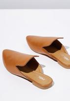 Cotton On - Faux leather pointed slipper mule - tan