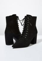 Cotton On - Faux suede lace-up boot - black