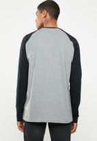 RVCA - Big rvca raglan tee - grey & black