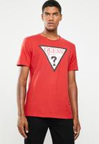 GUESS - Short sleeve pop color logo crew tee - red