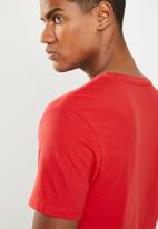 GUESS - Basic crew tee - red