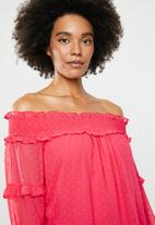 Vero Moda - Off shoulder blouse - pink