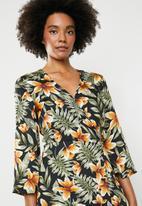dailyfriday - Kimono sleeve maxi dress - multi