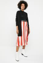 STYLE REPUBLIC - Highwaisted pleated skirt - orange