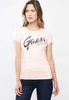 GUESS - Short sleeve script logo tee - pink