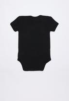 Cotton On - Mini short sleeve bubbysuit - black