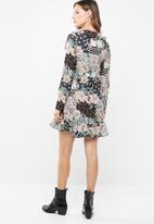 Missguided - Ruffle tea dress floral - multi